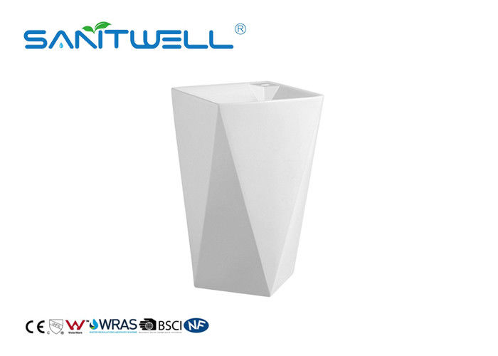 Beautiful Appearance Stand Alone Wash Basin / White Pedestal Sink Self Cleaning